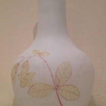 Enamelled white satin glass vase with campanula - Art Glass