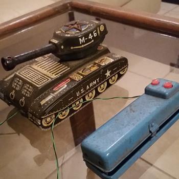 Remote control tank vintage