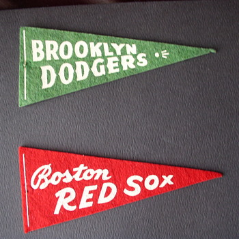 1950 s mini pennants - Baseball