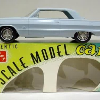 1963 Chevrolet Impala SS 409 Sport Coupe original friction/promo model car - Model Cars