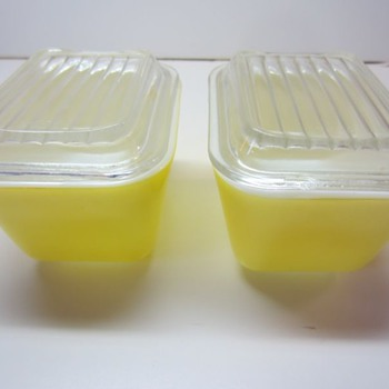 2 Yellow Pyrex Refrigerator Dishes With Lids ~#501~ 1 1/2 Cup Size   - Kitchen