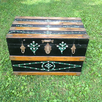 Wood & Tin Hand painted trunk unknown Mfg.