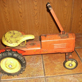 Vintage Push &amp; Pull all Metal Ride-On Tractor Toy