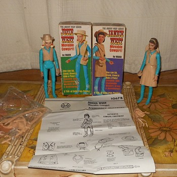 Josie and Janice West Johnny West Daughters - Toys