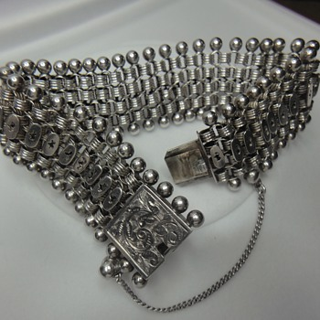 Classic Victorian example for Sterling Silver bacelet arount 1880s - Fine Jewelry