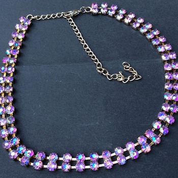 Iridescent vintage necklace  - Costume Jewelry