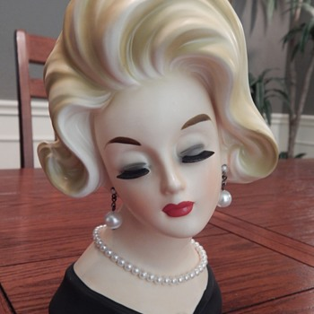 Lady Bird Johnson goes blonde - lady head vase