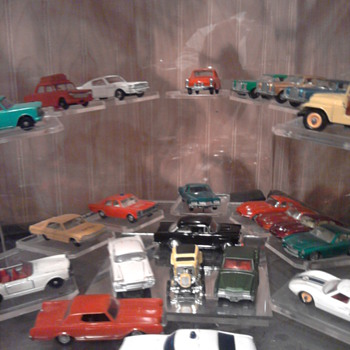 Hot Wheels, Mini Lindys, Corgis, and meccano & more are all in this little case - Model Cars