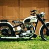 1966 Triumph T-120 Bonneville custom &#039;40s style