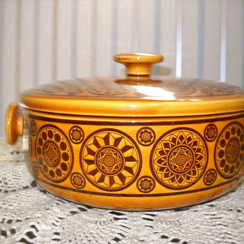 Vintage? covered casserole dish