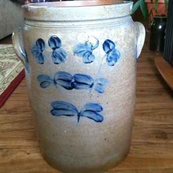 Old unmarked crock - Art Pottery