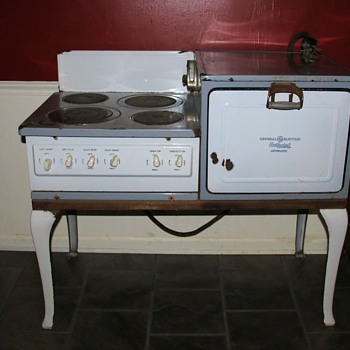 1924 Hotpoint Range - Kitchen