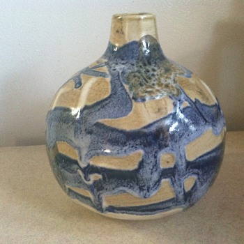 Little Pottery vase/jar - Art Pottery