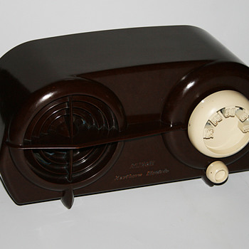 Northern Electric bakelite radio - Radios