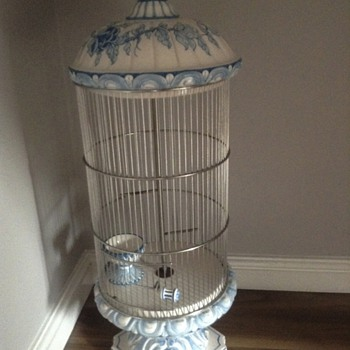 Antique porceleine birdcage