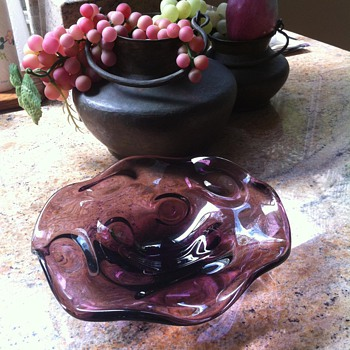 Scalloped or Ruffled Plum Dish Tray Plate - Art Glass