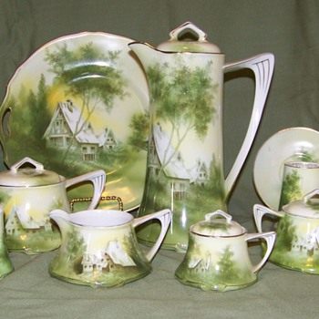 Cottage scene pieces - China and Dinnerware