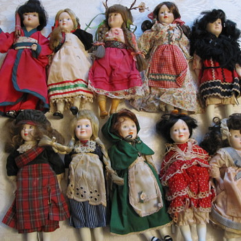Can anyone tell me what kind of dolls these are? - Dolls