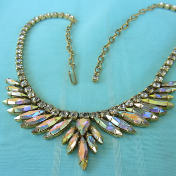 Silver back necklace - Costume Jewelry