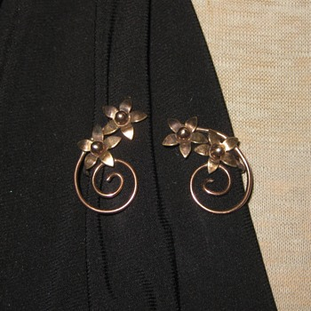 Delicate rose gold and gold wash vermeil earrings - Fine Jewelry