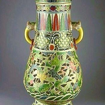 More Ming Dynasty Porcelain-Wanli Period Wucai 1573-1619 - Asian