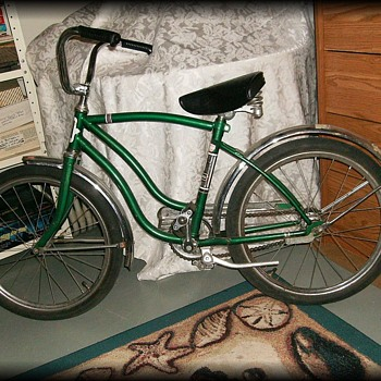 OLD GREEN BICYCLE ( bike ) --  Cordoba ( I think )