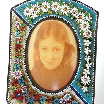 Me in my Mystery flower frame.  Help!