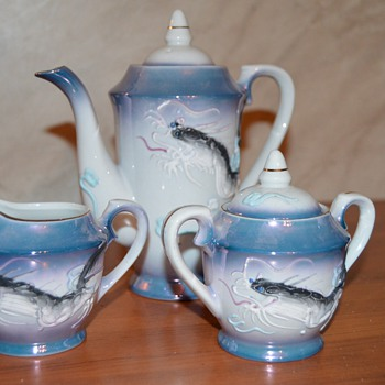 Japanese dragonware tea set