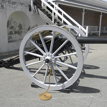 Armstrong sixteen pounder Cannon