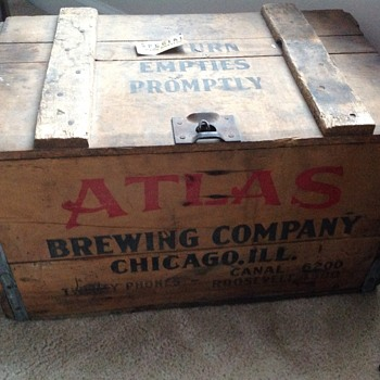 Atlas crate and full bottles - Bottles