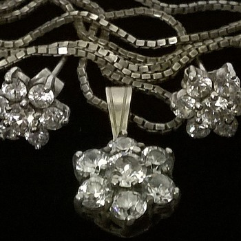 The Silver Flower Version Of My Costume Flower Design  Necklace