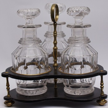 Triple Decanter Stand
