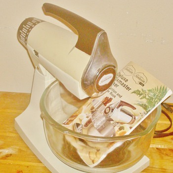 Sunbeam Deluxe Mixmaster Mixer - Kitchen