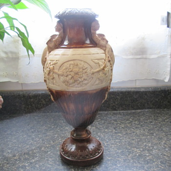 Rome/Greek Vase - Art Pottery