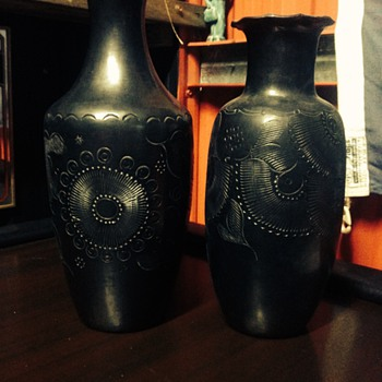 Dona Rosa, barro negro (black clay) from Oaxaca vases - Art Pottery