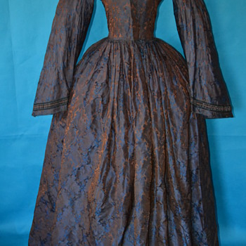 Exquisite 1860's Civil War dress!