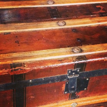 Cross slat flat top steamer trunk with Dominion Atlantic Railway Steamship/Boston tag