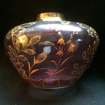 Hand-painted amethyst gilded vase - Art Glass