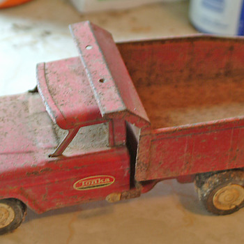 tonka dump truck 1960s?