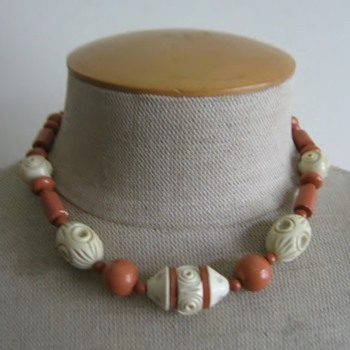Salmon and bone color celluloid necklace - Costume Jewelry