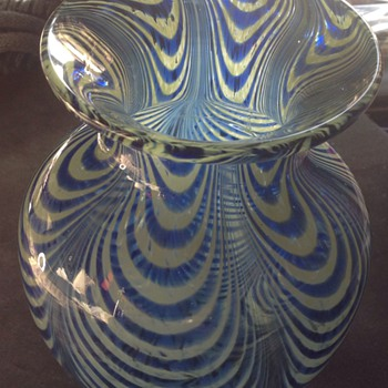 Pulled feather, Nailsea, design glass vase, old or new? - Art Glass