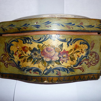 Wooden lacquer box - Victorian Era