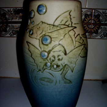 Weller Jewel By Rudolph Lorber - Art Pottery