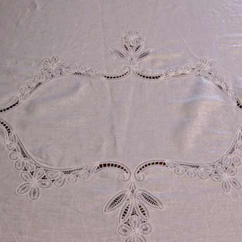 "Lovely 70""x90"" Battenburg Lace and Linen Oval Tablecloth + 8 Dinner Napkins"