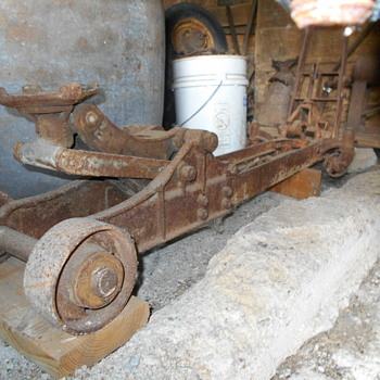 Walker Roll-a-Car mechanical floor jack - Classic Cars