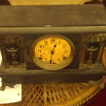 Trying to identify model - Clocks