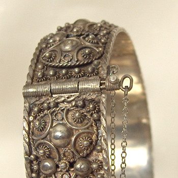 Similar Types Antique Silver Jewelry Europe & Middle East Hallmarks