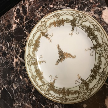 Gold painted plate - China and Dinnerware