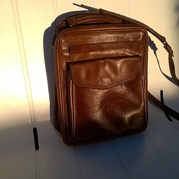 Offermann West Germany Full Leather Satchel/Messenger Bag Thrift Shop Find 3 Bucks