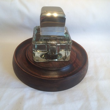 Table inkwell on wooden drip tray, silver top by Sampson Mordan